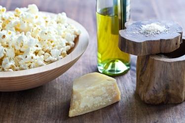 Tasty-Kitchen-Blog-Popcorn-with-Parmesan-and-Truffle-Oil-01