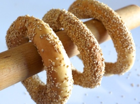 Greek-Sesame-Bread-rings-recipe-Koulouri-Thessalonikis-1